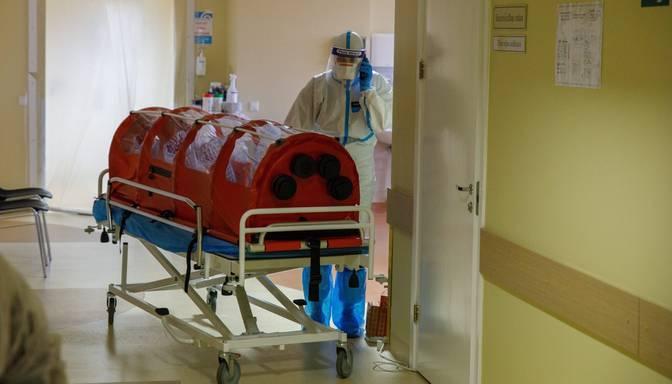 Daugavpils slimnīcā lielākās bažas par personāla trūkumu Covid-19 un citu infekciju dēļ