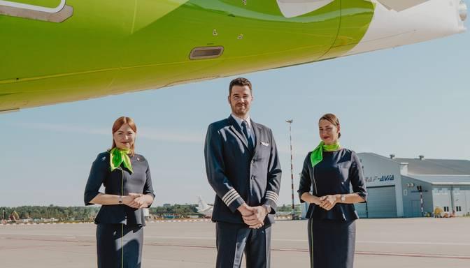 """""""airBaltic"""" visiem darbiniekiem pieprasīs vakcinēties pret Covid-19"""