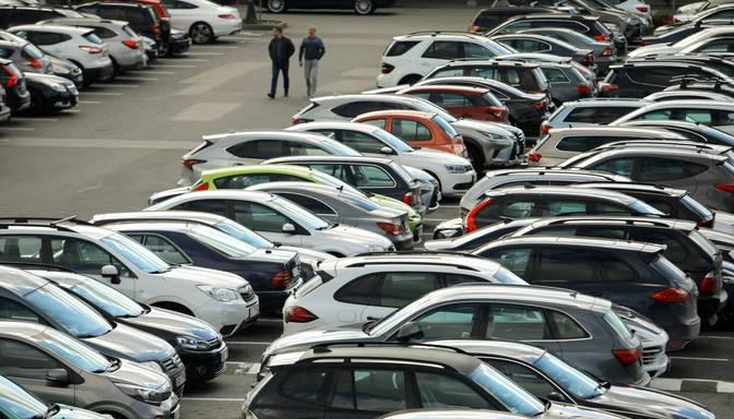 Rīgā atklātas vairāk nekā 500 jaunas bezmaksas autostāvvietas