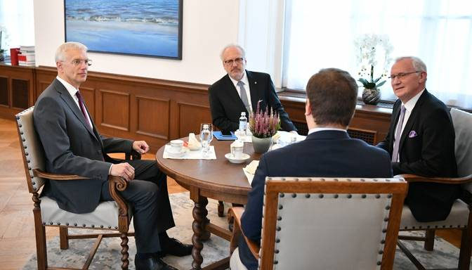 Valsts prezidents: Žogs uz Latvijas-Baltkrievijas robežas jāizbūvē pēc iespējas ātrāk