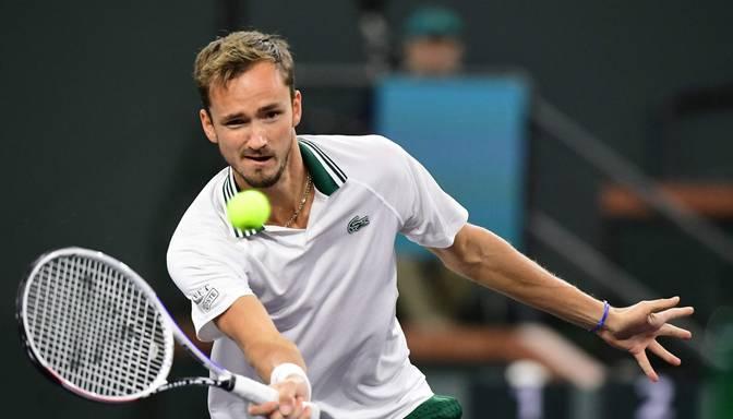 Medvedevs Indianvelsas turnīra trešajā kārtā izcīna savu 50. uzvaru šajā sezonā