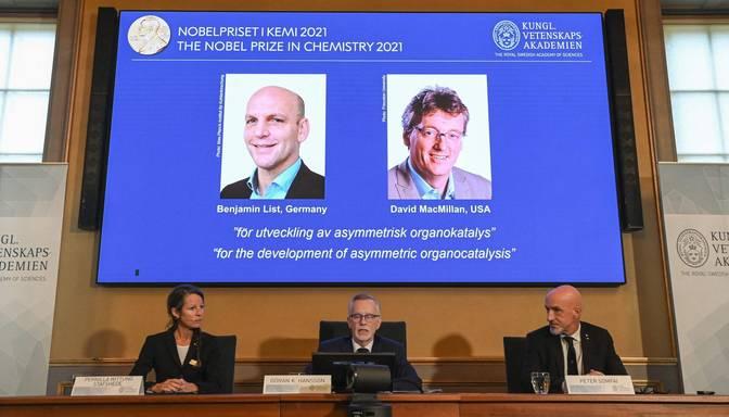 Nobela balva ķīmijā piešķirta jauna katalizatora izstrādātājiem