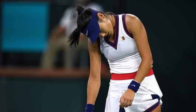 """Sensacionāli """"US Open"""" titulu izcīnījusī Radukanu zaudē pirmajā mačā pēc triumfa Ņujorkā"""