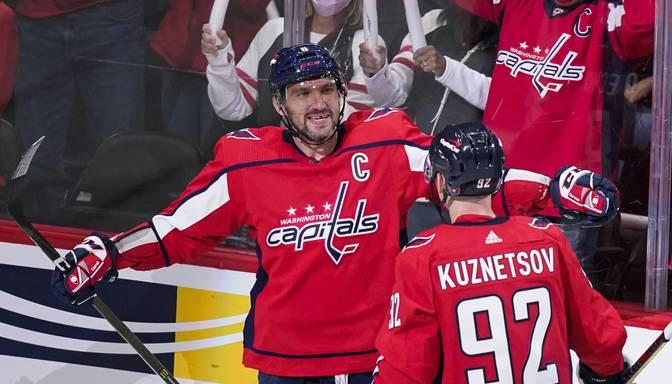 Ar diviem vārtiem NHL sezonas ievadā Ovečkins kļūst par piekto labāko vārtu guvēju vēsturē