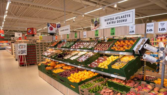 """""""Lidl"""" ienākšana Latvijā: vai lētāki banāni spēs ietekmēt konkurenci?"""