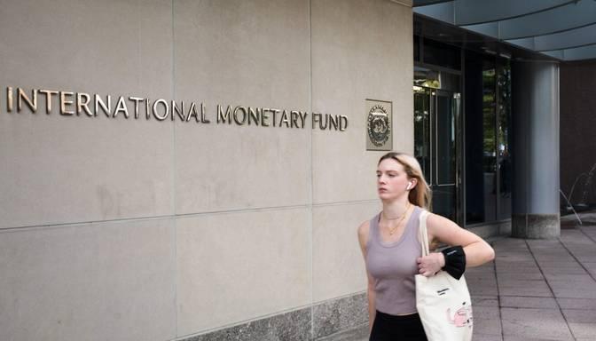 SVF pazemina izaugsmes prognozes; vaino pandēmiju un augošo inflāciju