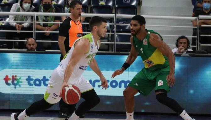 Lomažam uzvarā Turcijas čempionātā vēlreiz 22 gūti punkti