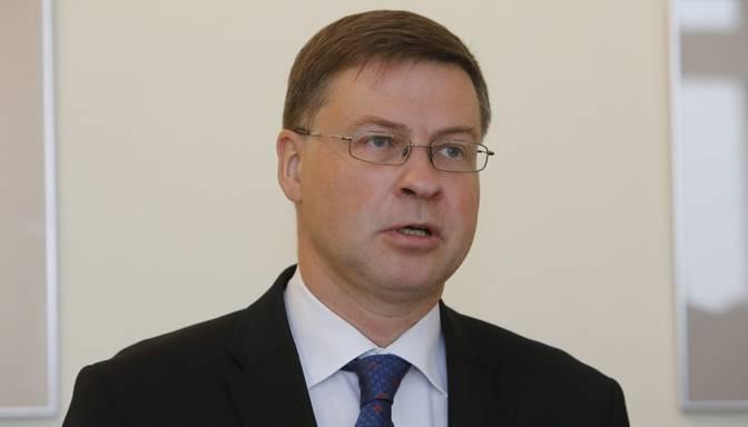 Dombrovskis: Pasaules ekonomika pakāpeniski sāk atgūties no Covid-19 pandēmijas