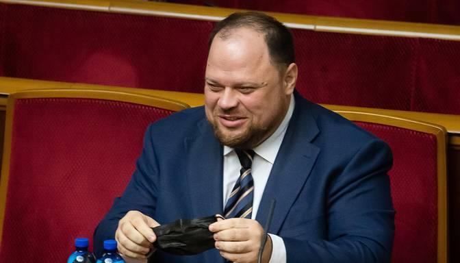 Pēc strīda ar Zelenski no amata atcelts Ukrainas parlamenta spīkers
