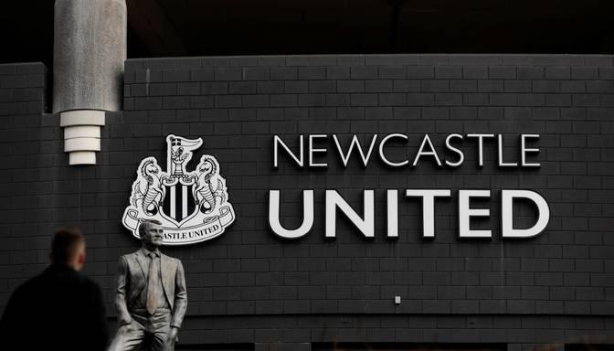 """Saūda Arābijas vadītais konsorcijs pārņem Anglijas premjerlīgas klubu """"Newcastle"""""""