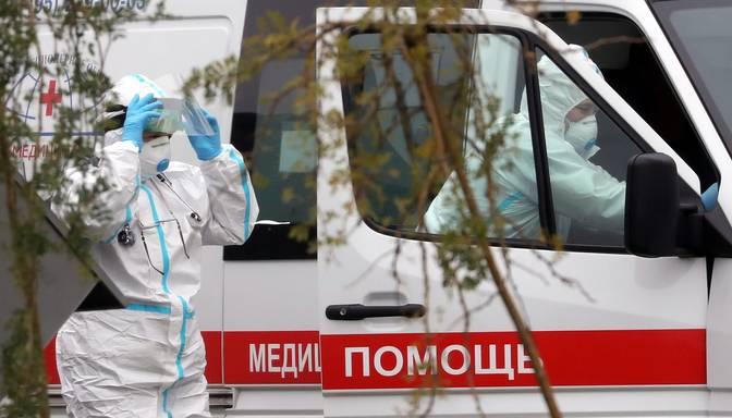 Krievijā jauns Covid-19 izraisīto nāves gadījumu skaita rekords – 890 diennaktī