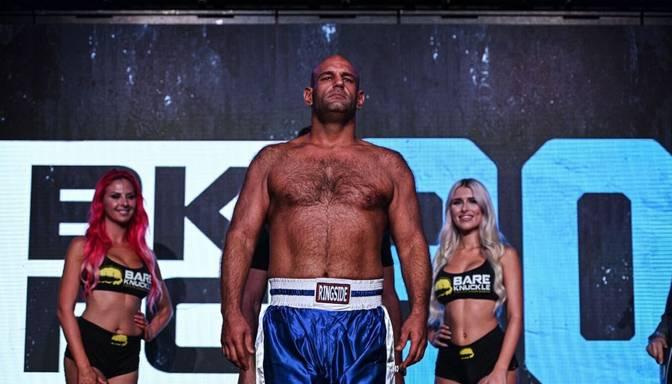 Pēc liktenīga nokauta cīņas 19. sekundē miris MMA cīkstonis
