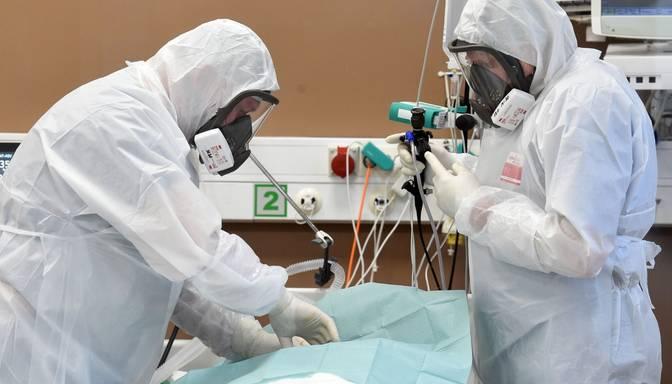 1002 inficēšanās gadījumi un ziņas par piecu pacientu nāvi: publiskota svētdienas Covid-19 statistika
