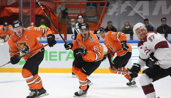 """TEKSTA VIDEO TIEŠRAIDE: KHL. """"Amur"""" – Rīgas """"Dinamo"""""""