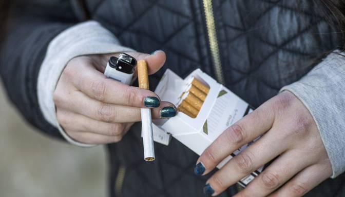 Vairākos veikalos Bauskas novadā konstatē enerģijas dzērienu un cigarešu pārdošanu nepilngadīgajiem