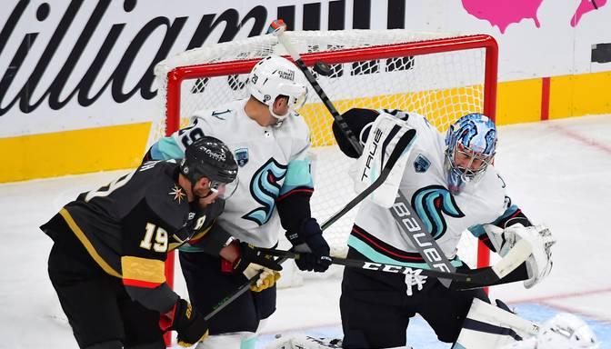 """Sietlas """"Kraken"""" savu NHL ceļu sāk ar zaudējumu pret """"Golden Knights"""""""