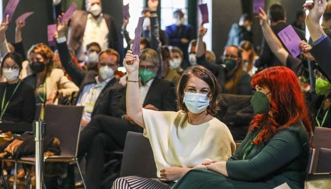 Vācijas zaļie rīkos visu partijas biedru balsojumu par gaidāmo koalīcijas līgumu