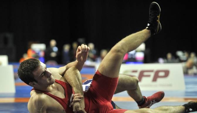 Amirovs piedzīvo zaudējumu pasaules čempionāta otrajā kārtā brīvajā cīņā