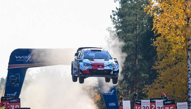 Evanss uzvar WRC Somijas rallijā un samazina Ožjē pārsvaru kopvērtējumā
