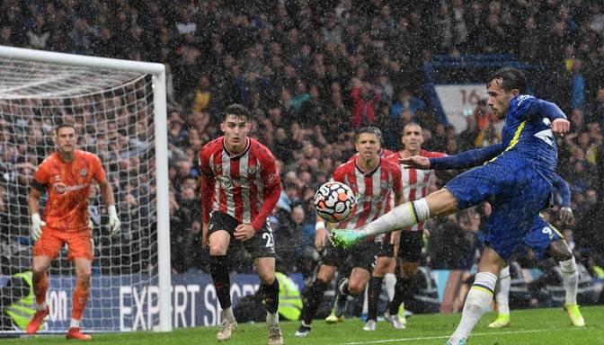"""""""Chelsea"""" mazākumā atstātajai """"Southampton"""" iesit divus vārtus un izcīna uzvaru"""