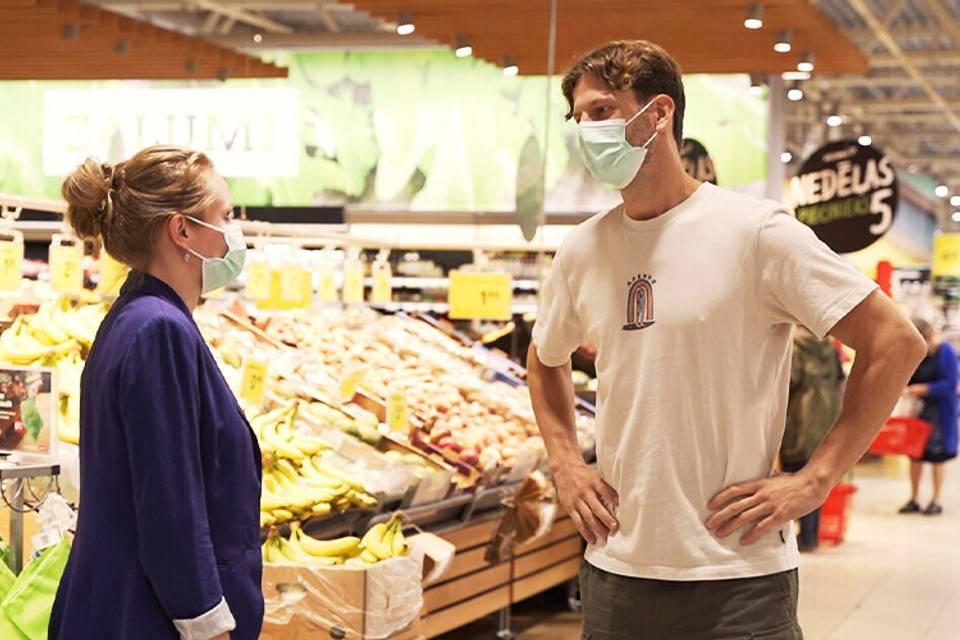 """Kur paliek lielveikalu """"vecā"""" pārtika? Uz jautājumiem atbild """"Rimi"""" Latvija pārstāve Inga Bite"""